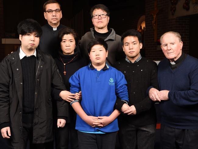 Gia đình Hàn Quốc được phép ở lại Úc sau khi bị lừa 100,000 đô tiền nhập cư & đối mặt với lệnh trục xuất