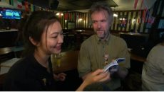 Quán rượu ở Úc trở thành nơi gặp gỡ và giao lưu ngôn ngữ
