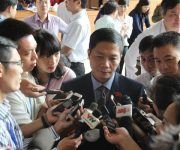Bộ trưởng Công Thương giải trình một số vấn đề về quản lý ngoại thương