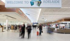 """Úc: Hai người Singapore bị buộc tội do mang """"tiền bẩn"""" qua sân bay ở Adelaide"""
