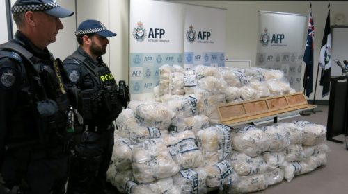 Sĩ quan Lực lượng Biên giới Úc bị bắt vì liên quan tới đường dây vận chuyển thuốc lá lậu ở Sydney