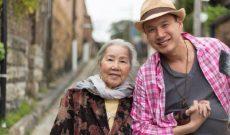 """Bà ngoại người Việt được cả nước Úc thích vì: """"Cháu cứ yêu đi, trai – gái gì cũng được"""""""
