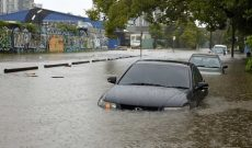 Nhiều du khách bị kẹt ở Queensland sau bão Debbie