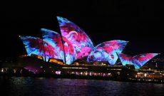 """""""Nhà sò"""" biến mình trong Lễ hội Vivid 2017 thắp sáng Sydney"""