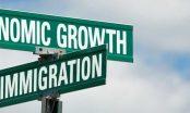 Hạn chế nhập cư để bảo hộ phúc lợi công dân và nền kinh tế quốc nội hay chỉ là bước đi nhằm giành phiếu từ cử tri