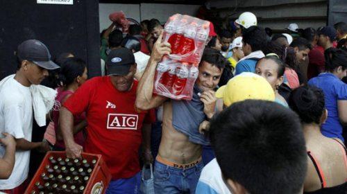 Đập phá, cướp bóc ở Venezuela vì cạn kiệt nguồn tiền