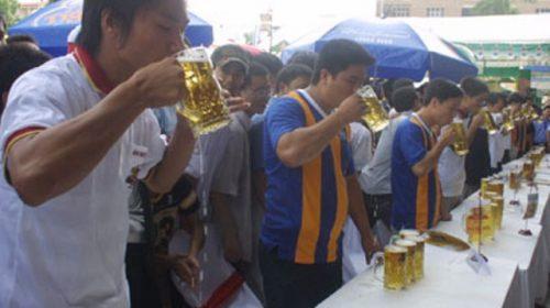 Người Việt uống bia: Đến nhà sản xuất cũng phải 'ngán'