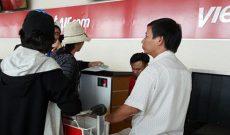 Thẻ nhà báo, bằng lái xe không được làm thủ tục lên máy bay