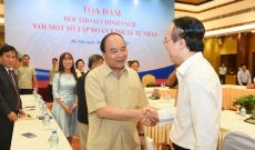 Thủ tướng đối thoại với 14 lãnh đạo tập đoàn tư nhân lớn